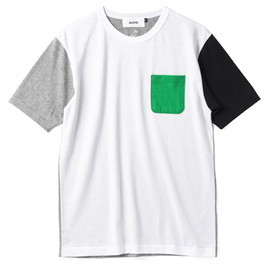 Iconic Girls #8 / Short-Sleeve Pocket T-Shirt