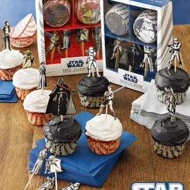 Williams-Sonoma - Star Wars™ Cupcake Decorating Kit Galactic Empire