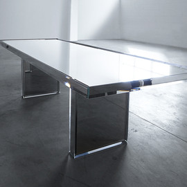 Tokujin Yoshioka - Mirrored table for Glas Italia