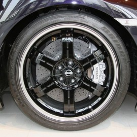 NISSAN - 前期型 front tire and wheel