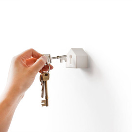 Suck UK - Key and house-shaped keyholder