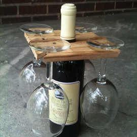 BandyWoodworks - Party of Four hardwood rack for wine bottle and four glasses