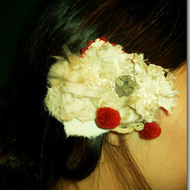 Lace/hair accessory