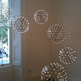 Moooi - WONDERFUL LIGHT SPHERES – MOOOI HAS THEM CLUSTERED.