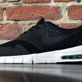 NIKE SB - NIKE SB ERIC KOSTON 2 MAX BLACK/WHITE