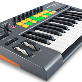 Novation - LaunchKey 25