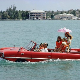 Slim Aarons - Sea Drive