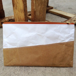 Belltastudio - Kraft and Tyvek paper clutch bag zipper