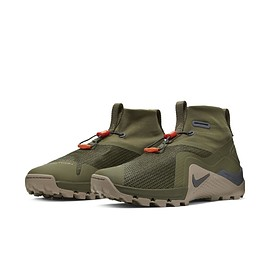 NIKE - Metcon SF - Cargo Khaki/Olive//Black/Gum Light Brown?