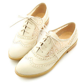 Miss Dora - Eyelet-Lace Oxford Flats