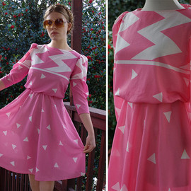 vintage - NEW WAVE 1980's Vintage Light Pink + White Dress with Geometric Shapes