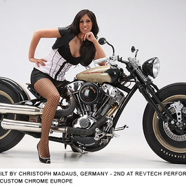 Harley-Davidson - Billy Bob at 2011 Custom Chrome Europe Dealer Show
