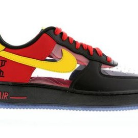 Nike - KYRIE IRVING × NIKE AIR FORCE 1 LOW CMFT BLACK/TOUR YELLOW-UNIVERSITY RED