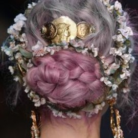 Pastel hair, flowers and statement barrette and earrings? Yes, please!
