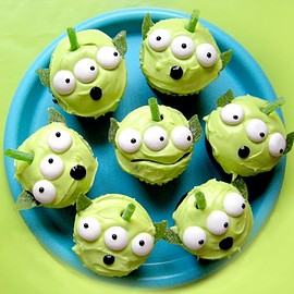 Disney - Toy Story Green Alien Cupcakes