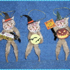 Vintage Style Halloween Chenille Ornaments Cats