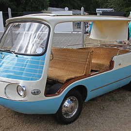 FIAT - 600 MULTIPLA MARIANELLA FISSORE (image by pocket.calculator)