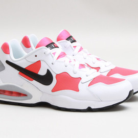 NIKE - Air Max Triax 94