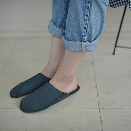 toe to knee - one peace slippers