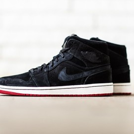 Nike - Air Jordan 1 Mid / Black, White & Red