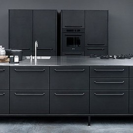 Marc Newson - Black kitchen modules