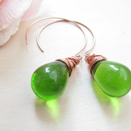 Luulla - Green Glass Earrings - Drops Earrings - Copper Earwires - Handmade Earwires