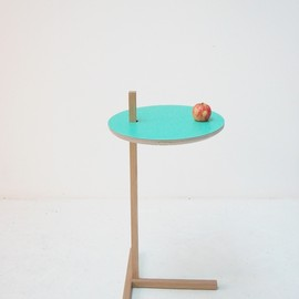 Tomas Alonso - Side table for an apple