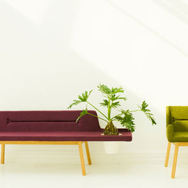 De La Espada - Lin Pod Bench (left) / Lin Chair (right)