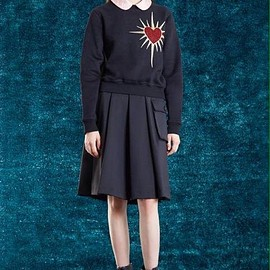 PAMEO POSE - SACRED HEART PULLOVER