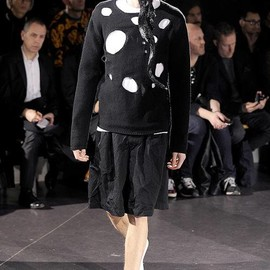 COMME des GARÇONS HOMME PLUS - 2014 FALL&WINTER SWEATER with HOLE