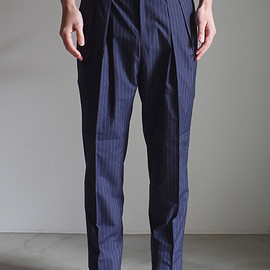 RAINMAKER KYOTO - STRIPE 2-TUCK TROUSERS / NAVY STRIPE