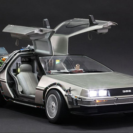 Hot Toys - Back to the Future  1/6 Scale DeLorean Time Machine