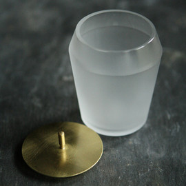 大迫友紀 - covered glass vessel