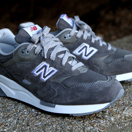 New Balance - CM1600 Grey