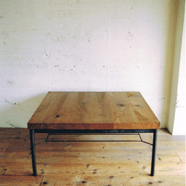 TRUCK FURNITURE - OAK IRON-LEG LOW TABLE