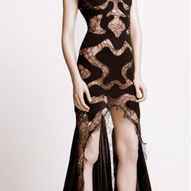 ALEXANDER MCQUEEN - Black lace-panel gown, black satin-weave sandals.