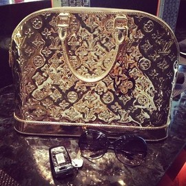LOUIS VUITTON - gold/bag