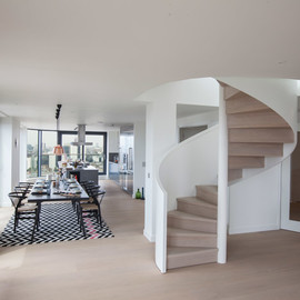 Amos and Amos champions British design in penthouses at 21 Wapping Lane