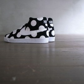 nike sb blazer mid, custom dot painted, - by chickennot。