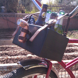 gordonscot - Six Pack Beer Bike Holder with Detachable Light