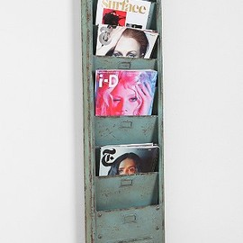 urbanoutfitters - Industrial Magazine Rack
