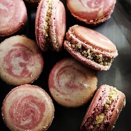 TWIGG STUDIOS - RHUBARB CRUMBLE MACARONS WITH CUSTARD BUTTERCREAM AND ROASTED RHUBARD CURD