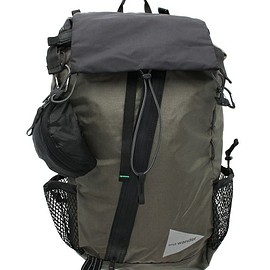 and wander - and wander/アンドワンダー 30L BACKPACK