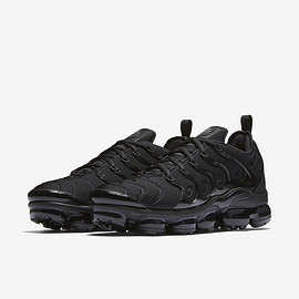 NIKE - Air VaporMax Plus - Triple Black