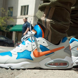 Nike - Air Max Triax '94 - Sail/Blue/Orange
