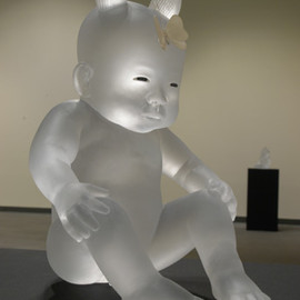 Koichi Matsufuji - Sitted baby, cast glass, inlaid eyes, 2009