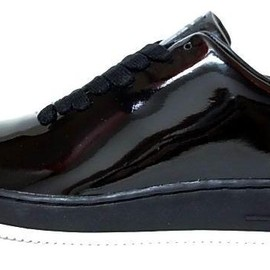 NIKE - Nike Air Force 1 Low Supreme All-Black Patent Leather shoes