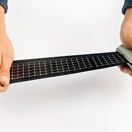 WAACSが - Rollable Solar Charger