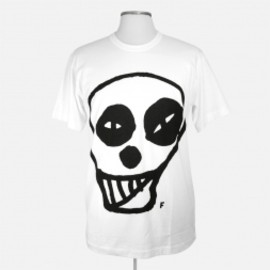 COMME DES GARÇONS HOMME PLUS - White limited edition Comme des Garçons Homme Plus short sleeve cotton t-shirt, with crew neckline featuring a black cartoon skull head print by Filip Pagowski