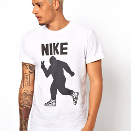 Nike - Nike T-Shirt with Peace Out Yeti Graphic